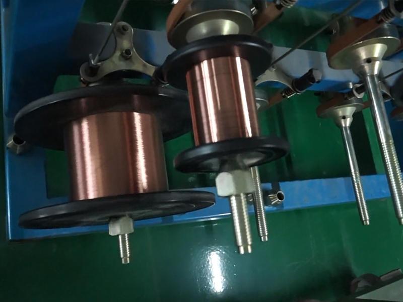 Professional wire manufacturers draw copper wire winch