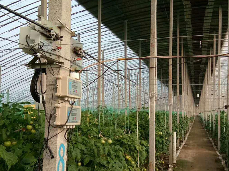 Greenhouse temperature controller, intelligent greenhouse control system
